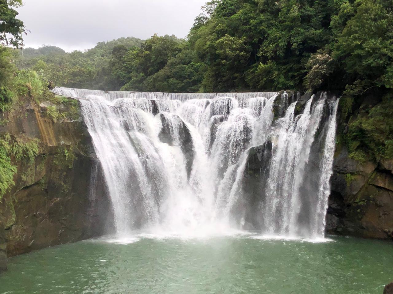メイン滝写真
