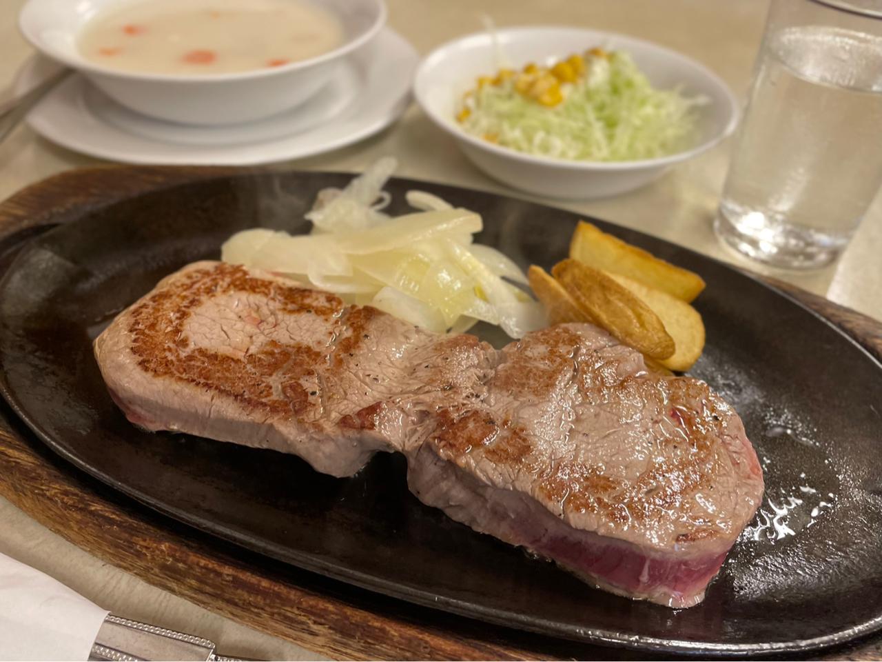 肉厚ステーキ
